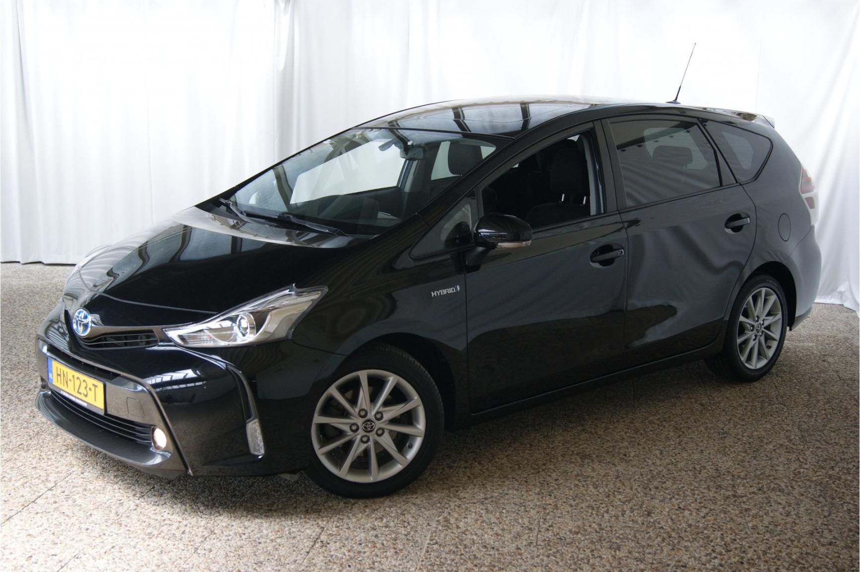 Toyota-Prius-0