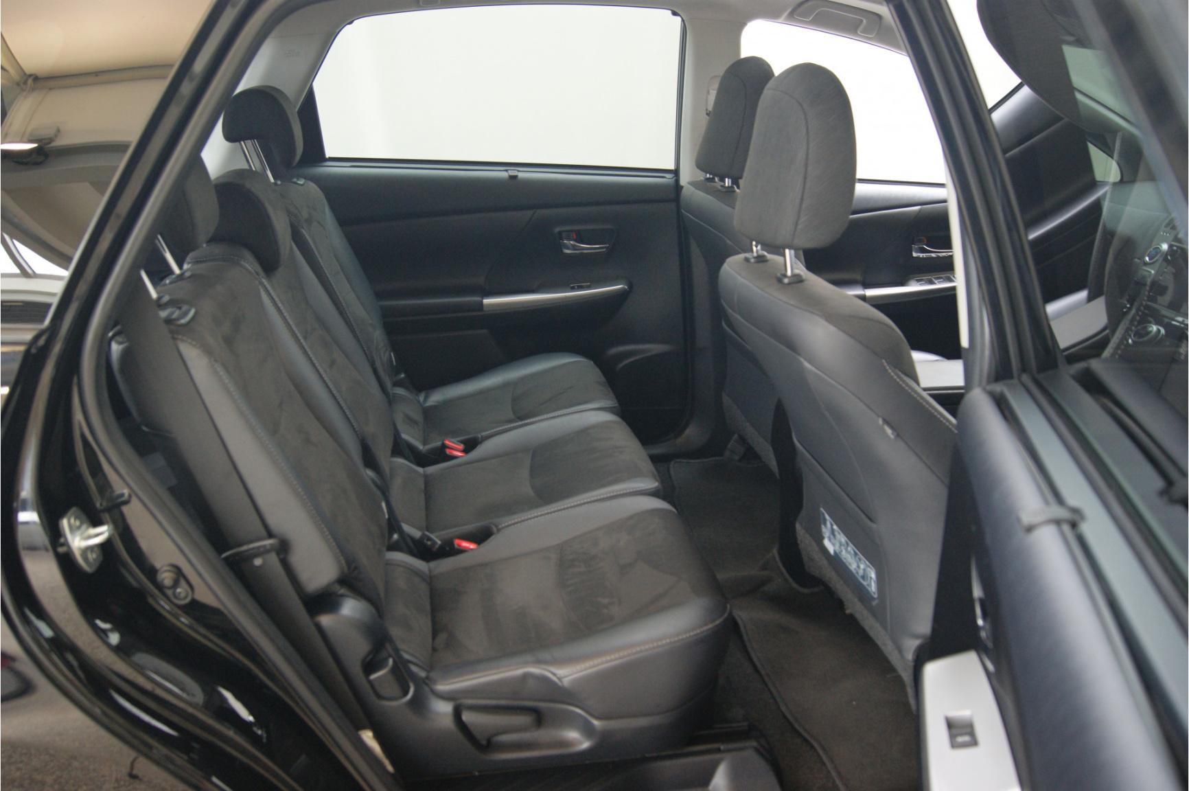 Toyota-Prius-14